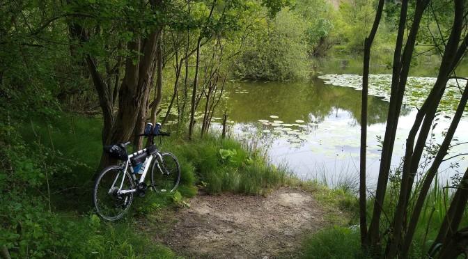Cycling to Upper Sundon lakes