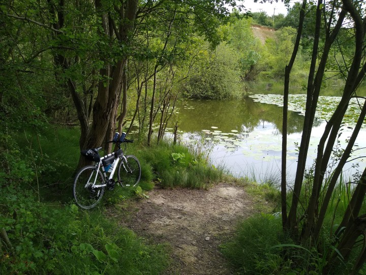 Cycling to Upper Sundon lakes